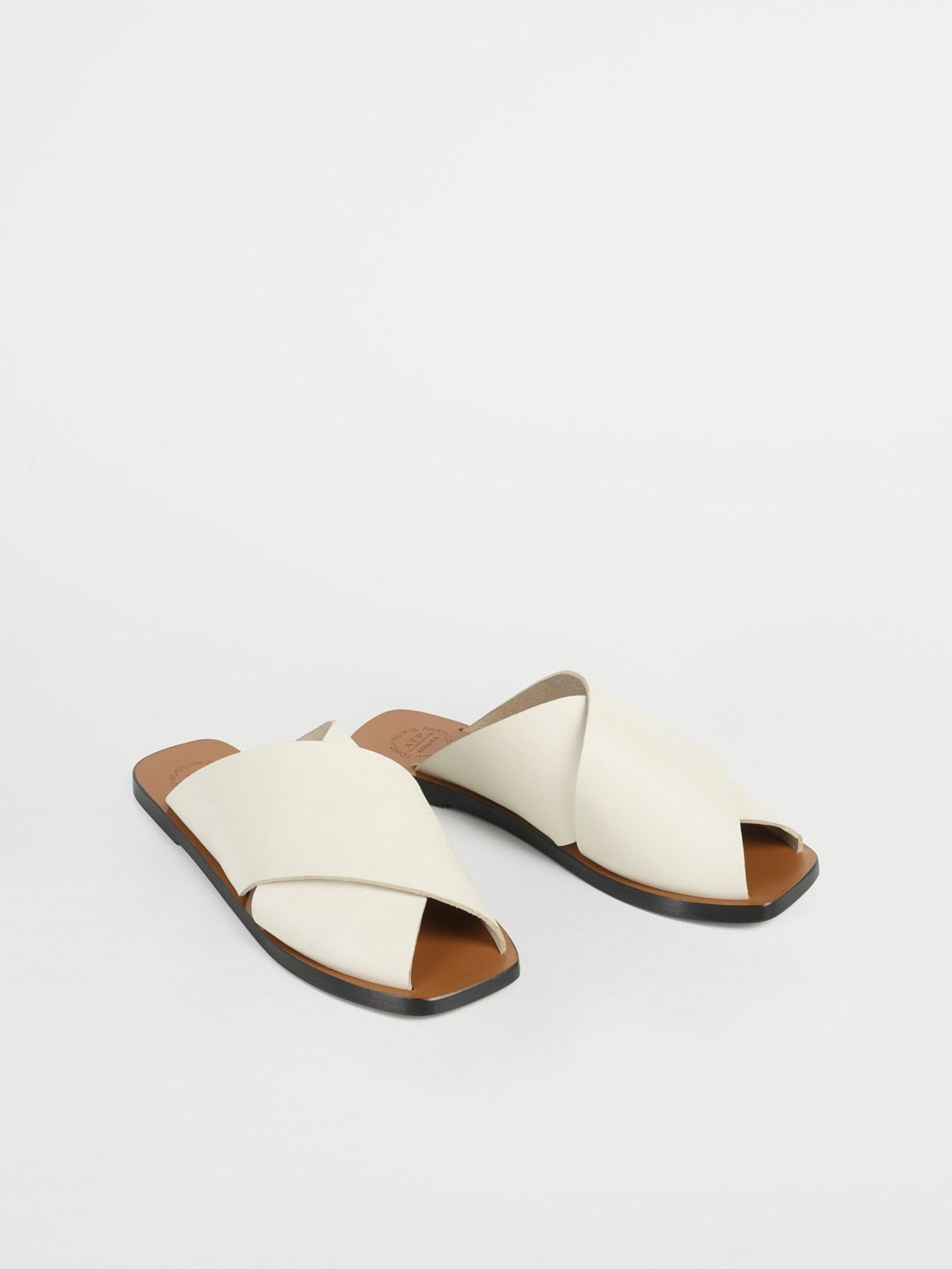 Alicia Ice White Flat sandals