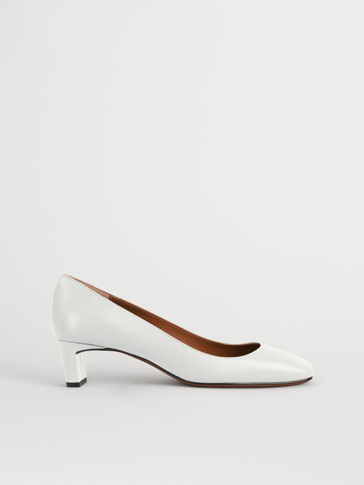 Bari Ice White Pumps