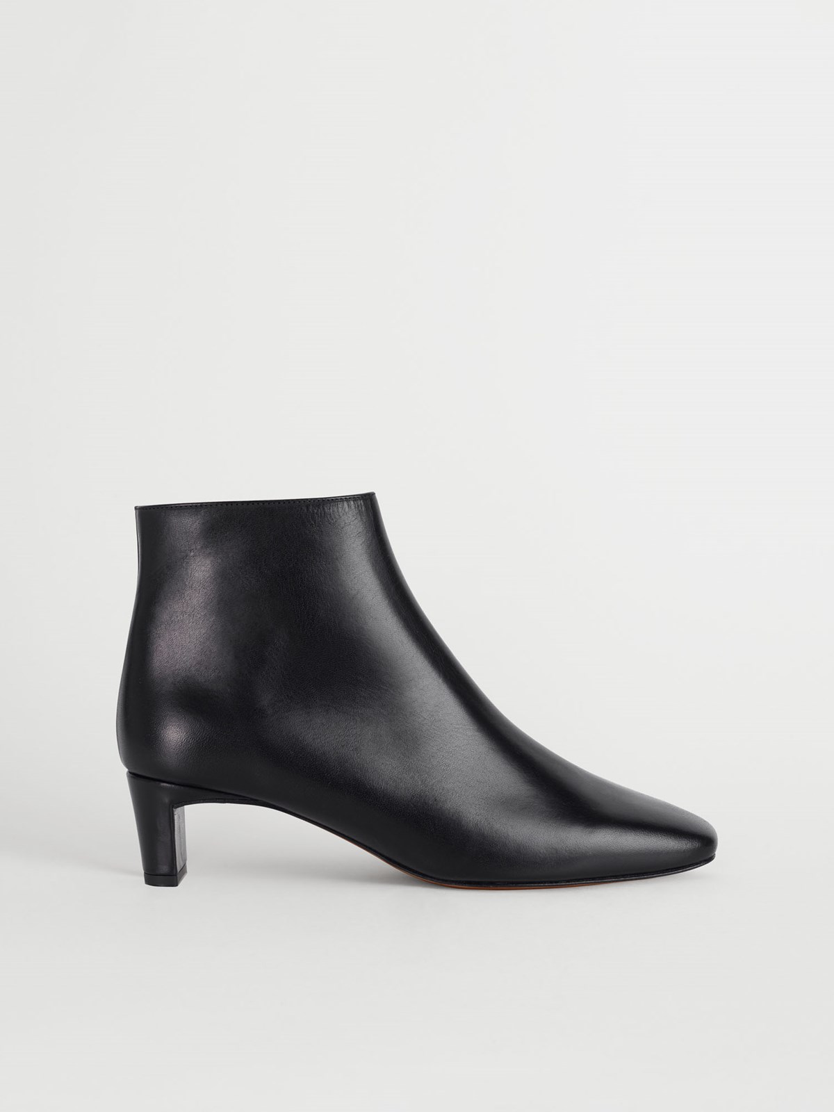 Clusia Black Ankle boots