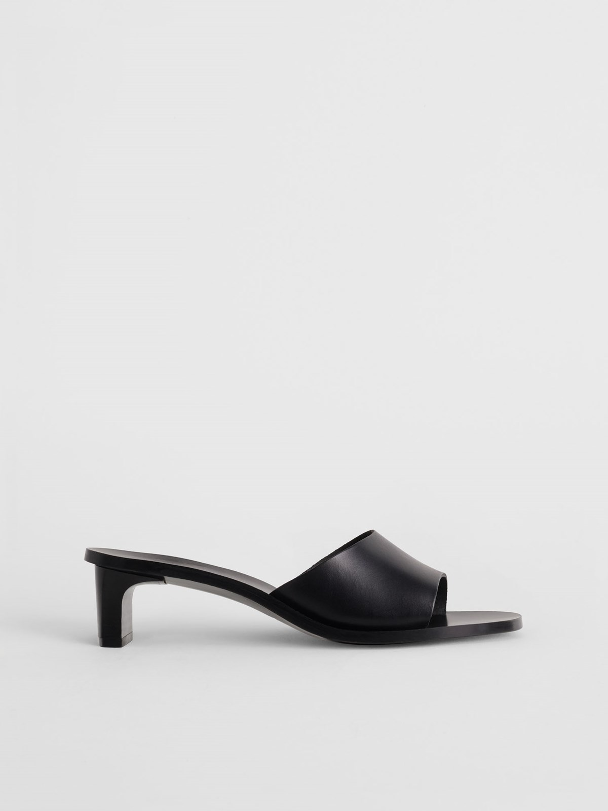 Peonia Black Heeled sandals
