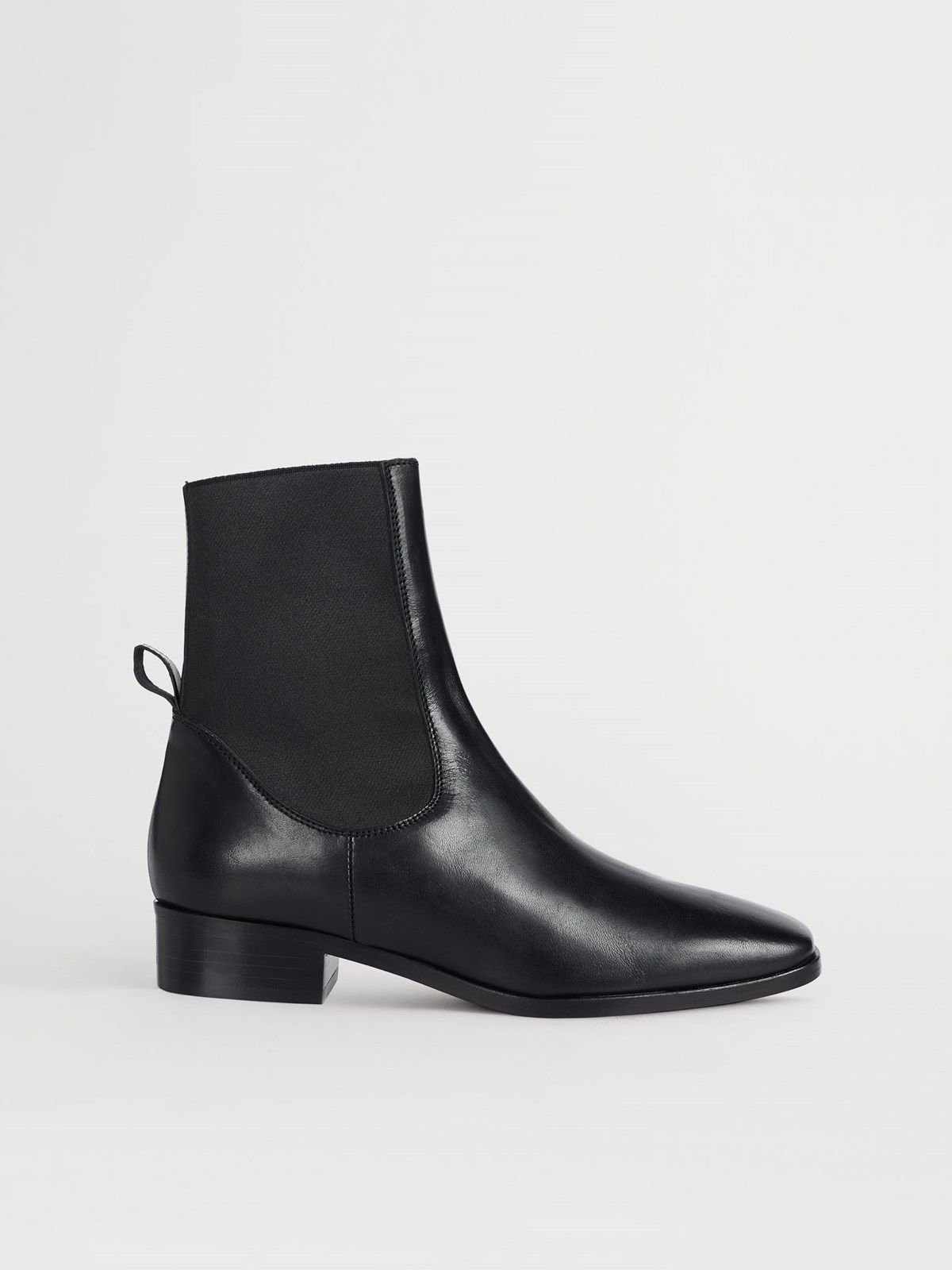 Vernazza Black Ankle Boots