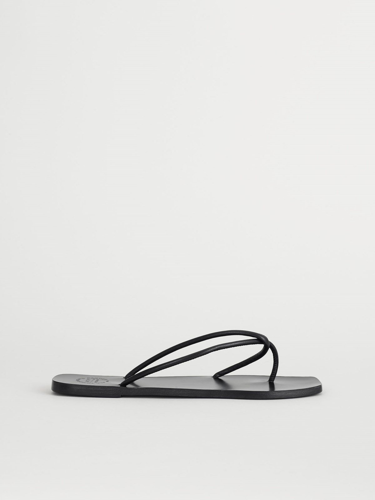 Alessano Black Flat sandals