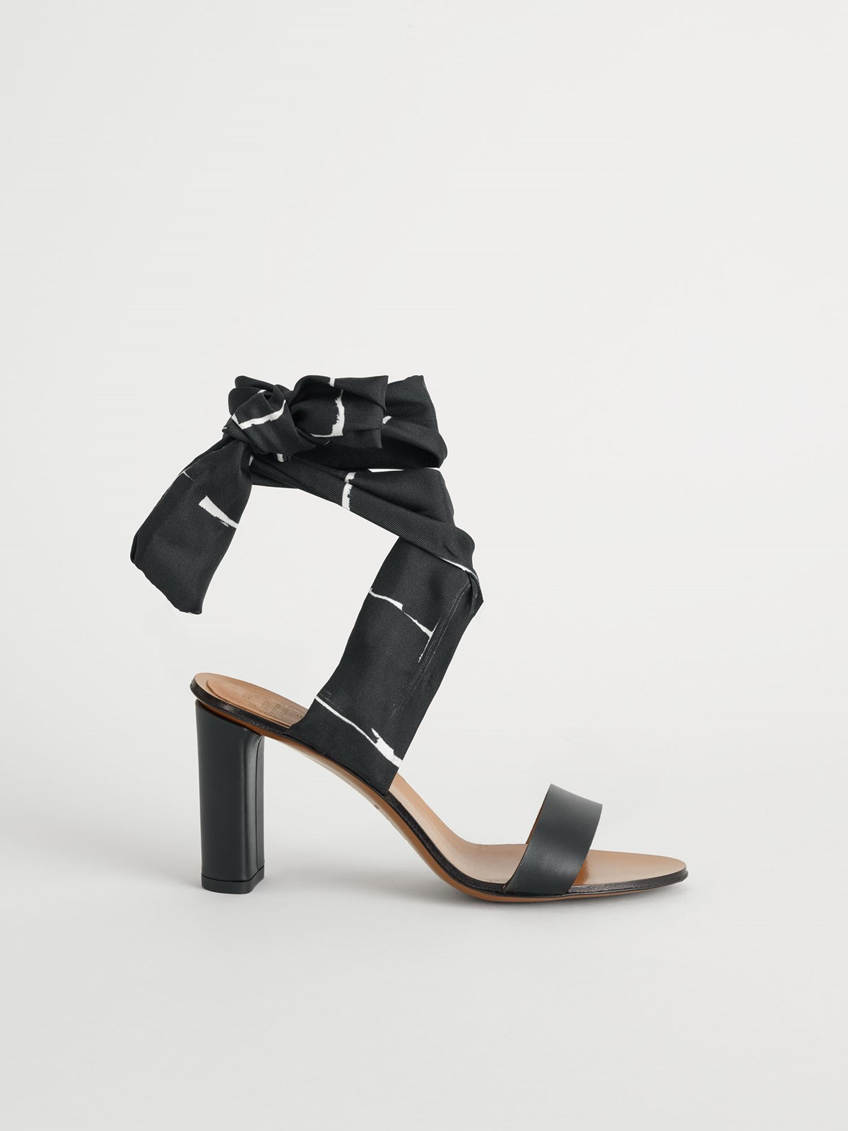 Vanze Black White Ankle strap heels