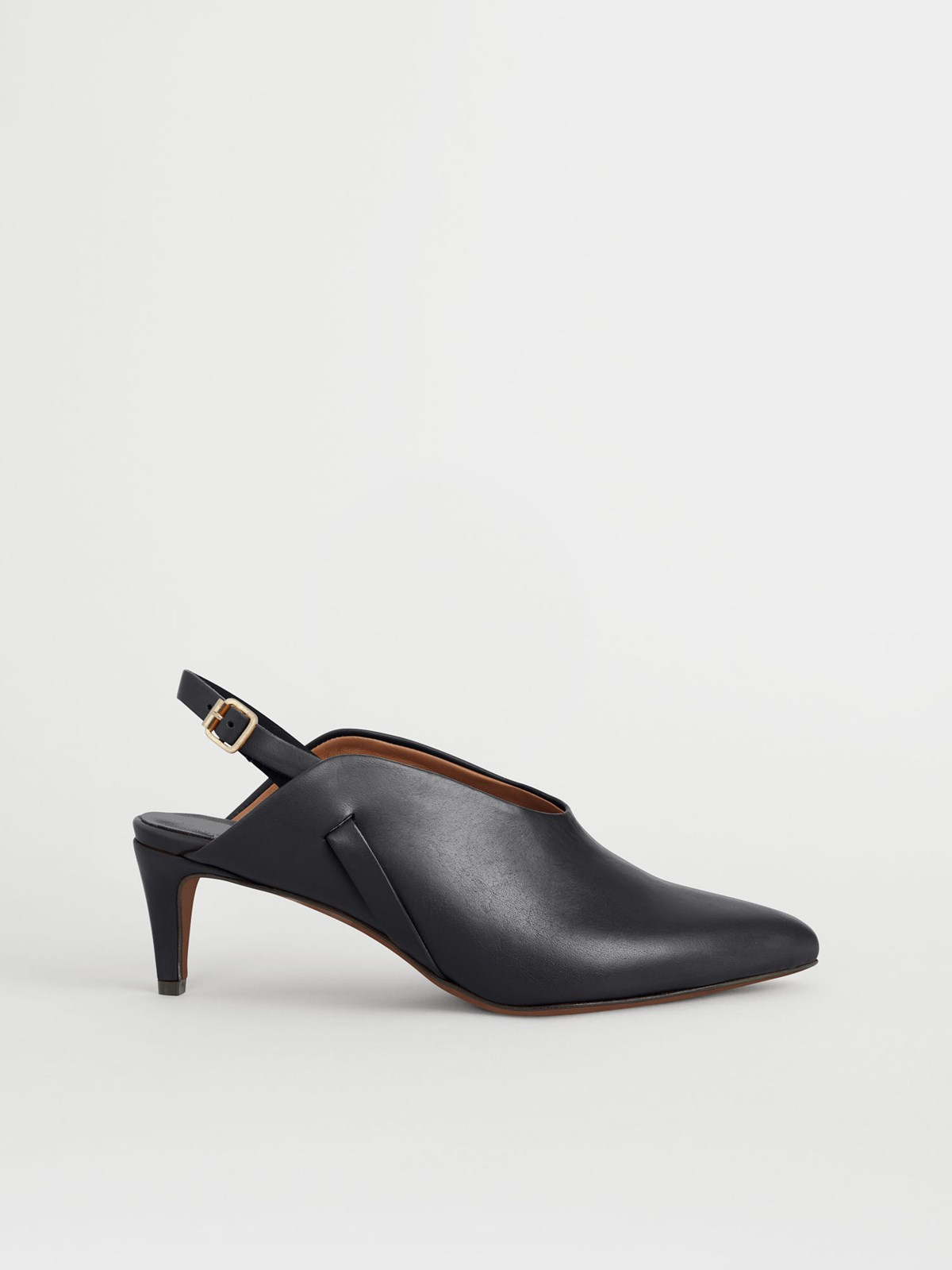 Abra Black Slingbacks