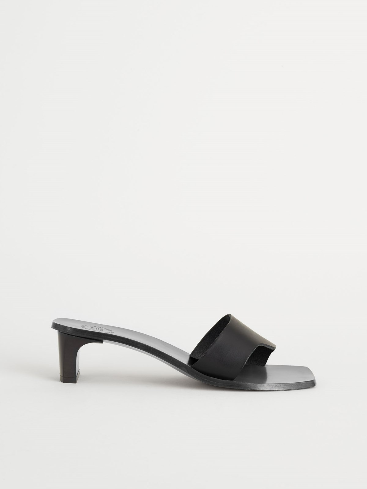 Leadri Black Heeled sandals
