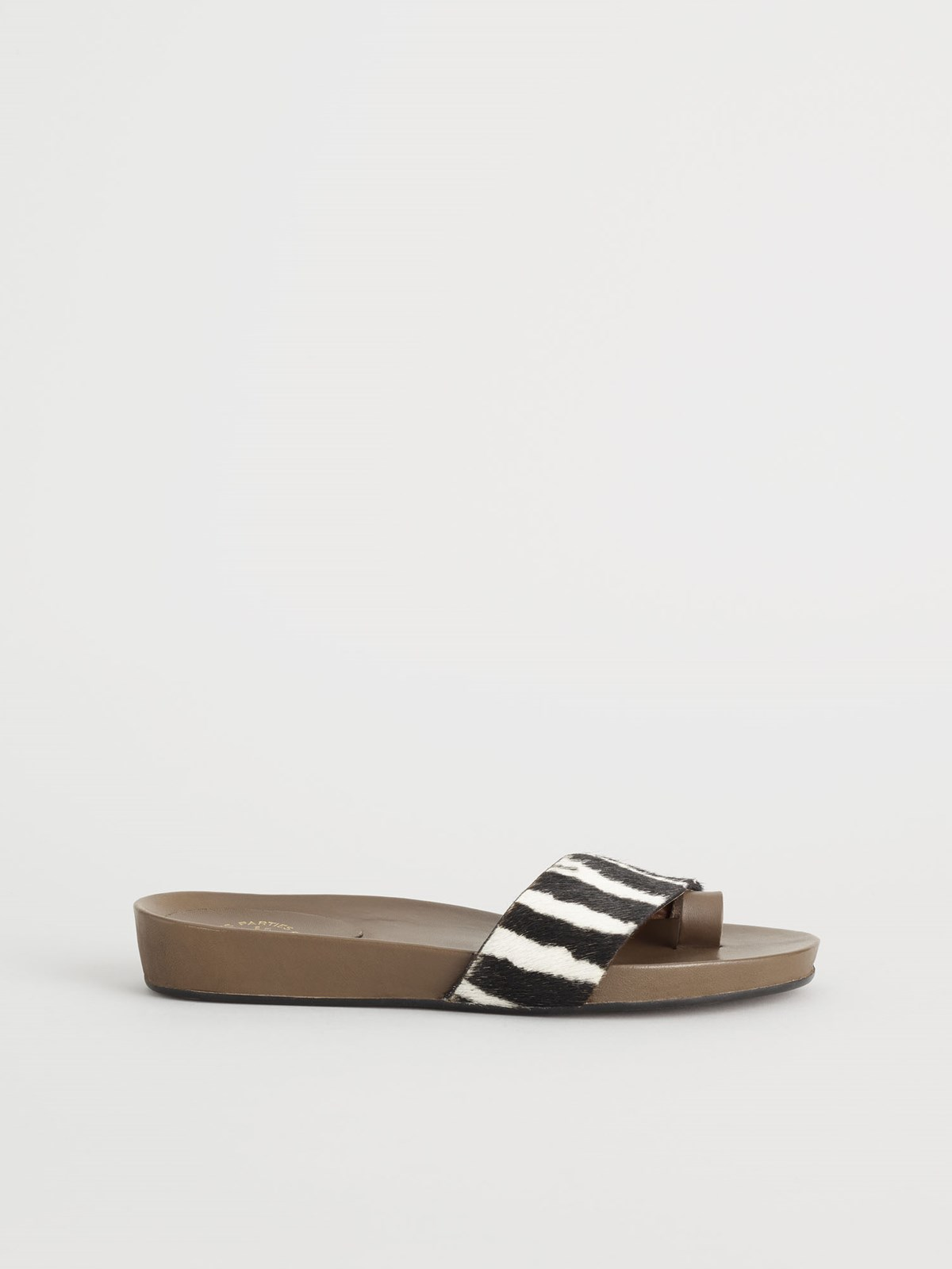 Soleto Black Everyday sandals