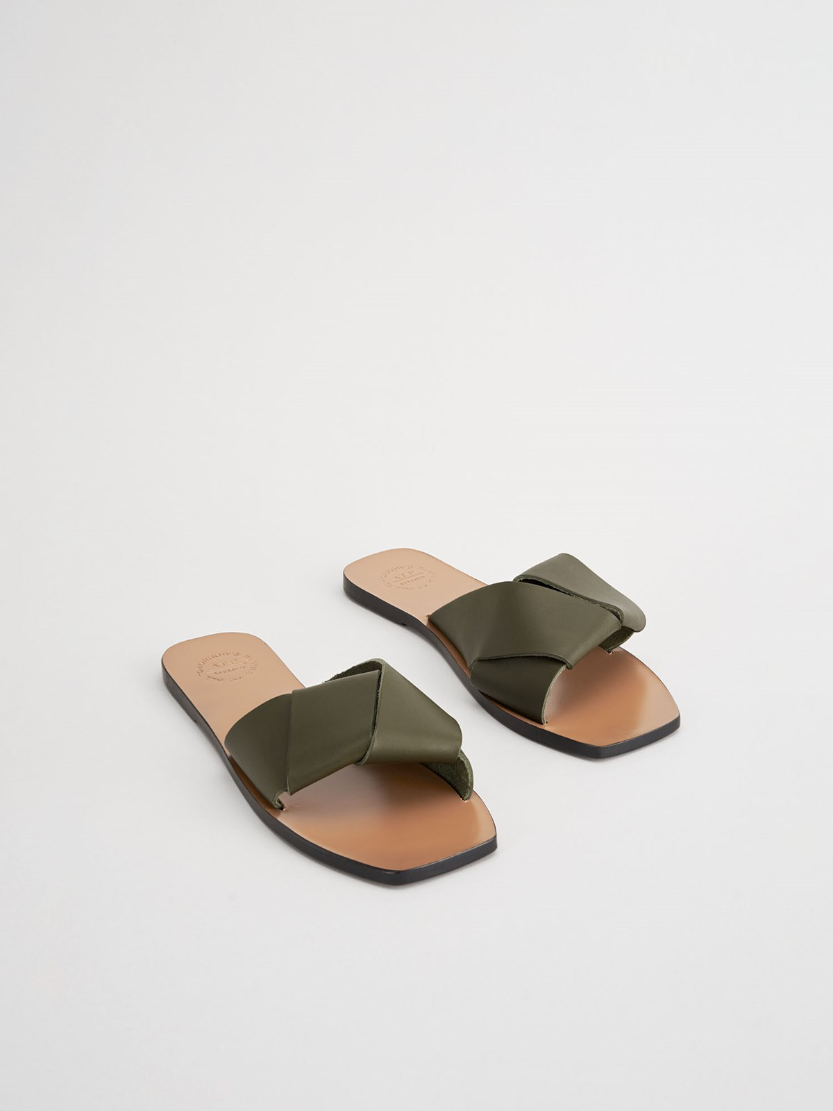 Carpari Turtle Flat Sandals