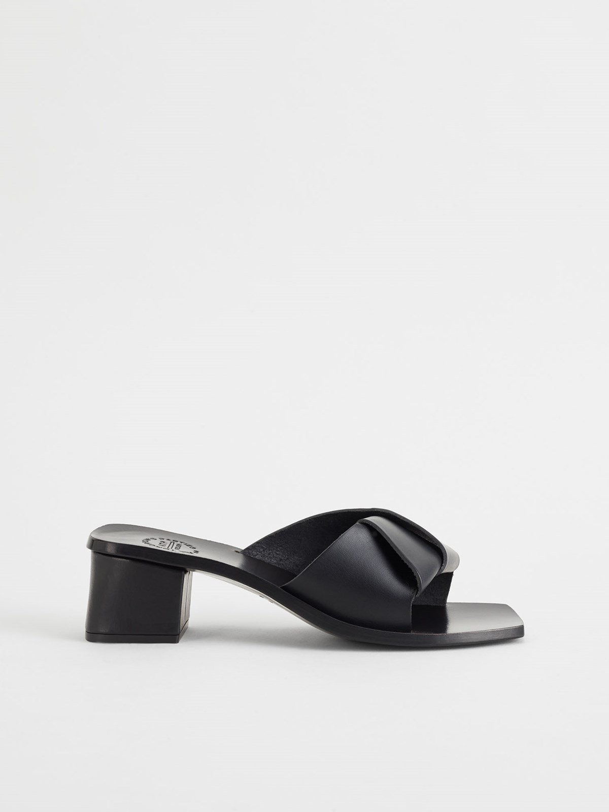 Ostuni Black Heeled sandals