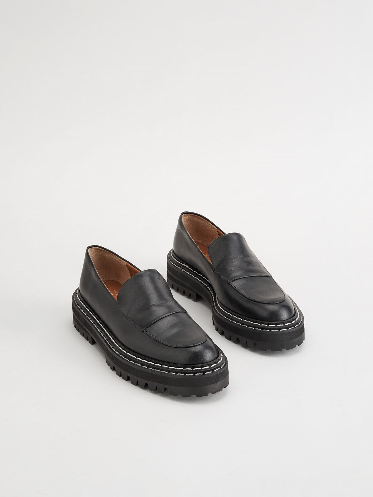 Manduria Black Chunky Loafer