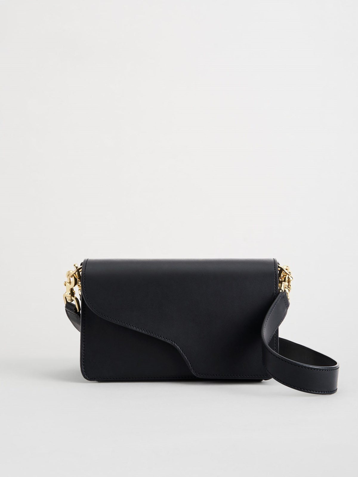 Assisi Black Baguette Bag