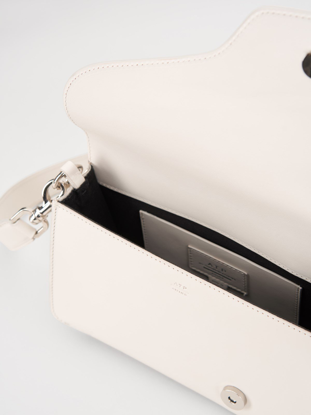Assisi Ice White Baguette Bag